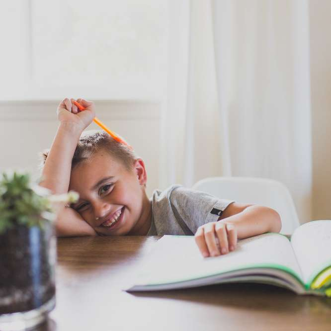 kid-doing-homework_t20_jXV8nd